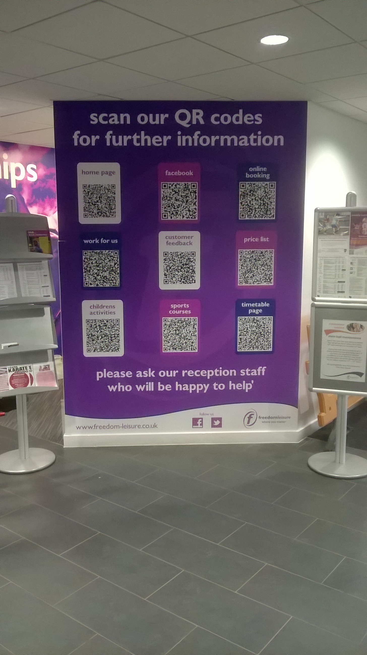 QR Code Sign retail